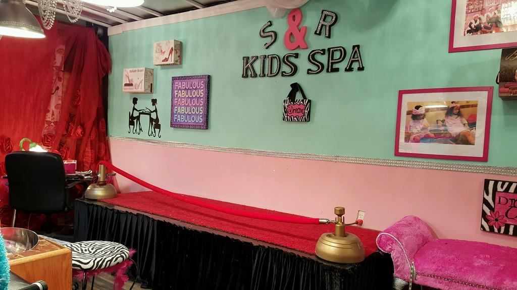 Phenomenal Spoiled Rotten Kids Spa Is Now Mobile A Spa Partybus Dc Inzonedesignstudio Interior Chair Design Inzonedesignstudiocom